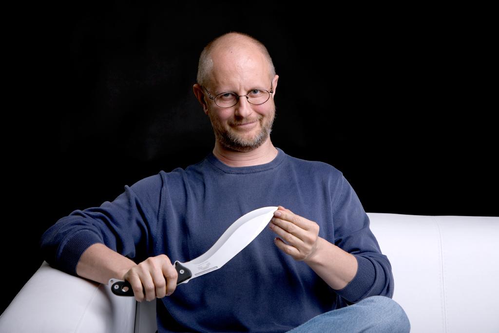 Стволы - для лохов, ножи - выбор мастеров! (c) Денис Петренко