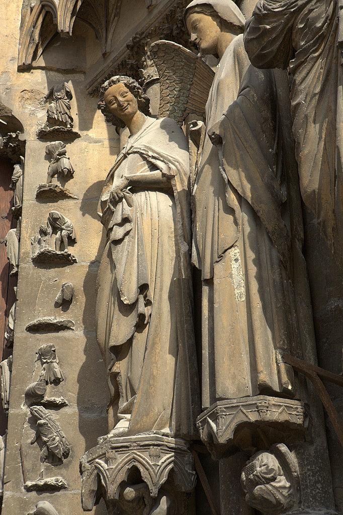 Радостный ангел в Реймсе