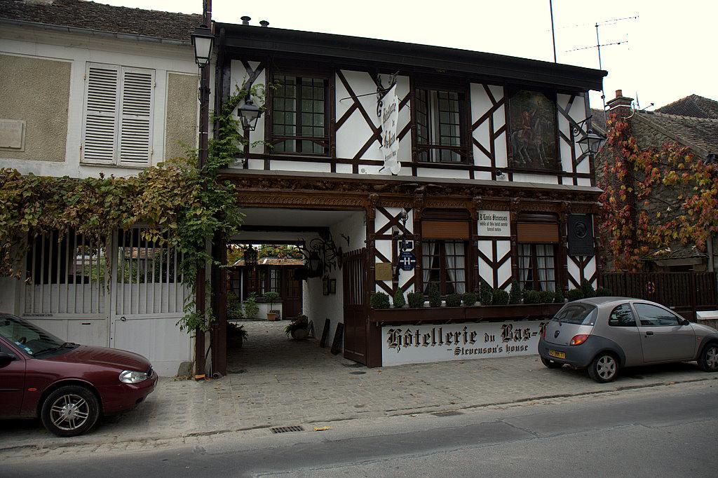 Домик в деревне Барбизон, где Стивенсон написал