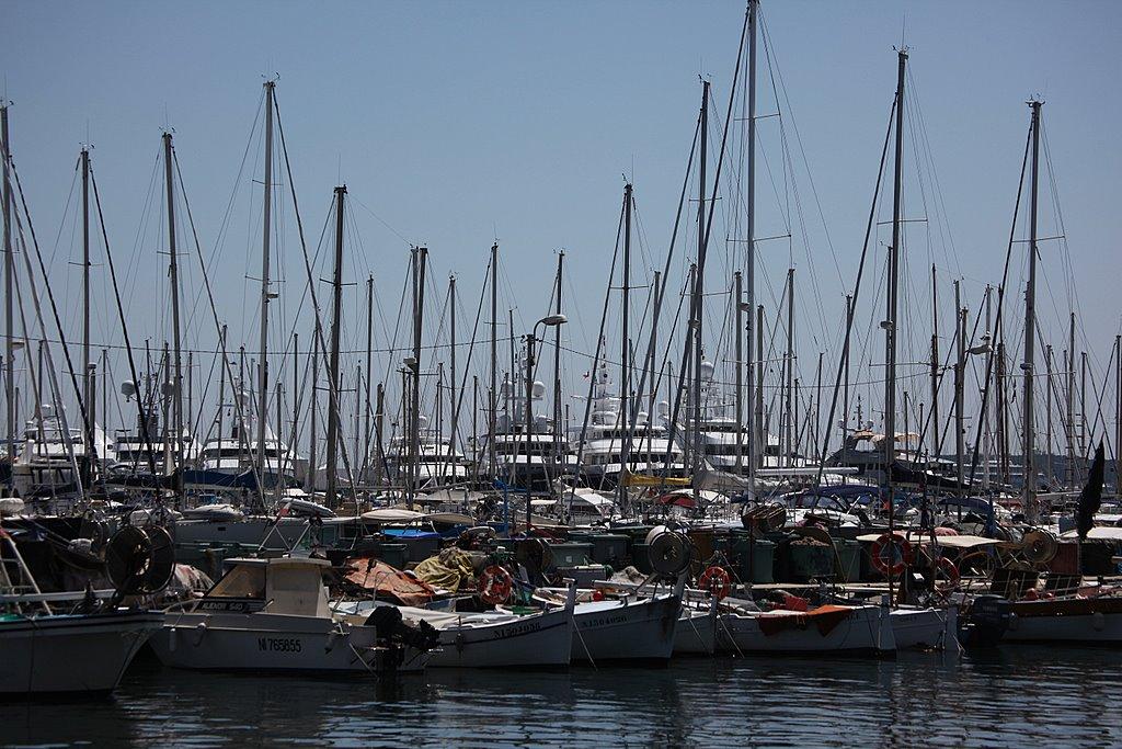 Яхты нищих жителей Канн