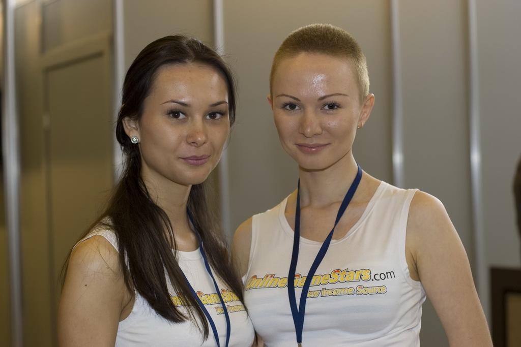 Девчонки на КРИ 2009