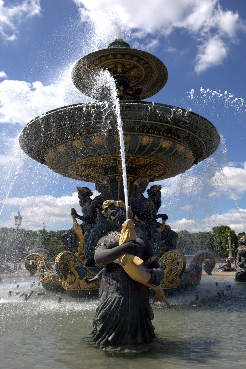 Парижский фонтан