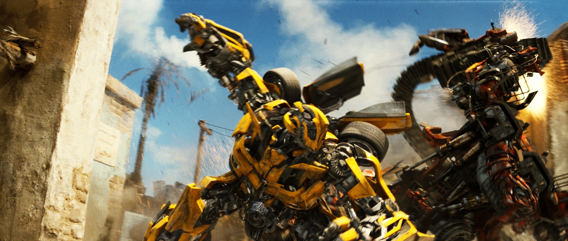 Transformers: Revenge of the Fallen — Bumblebee vs Rampage