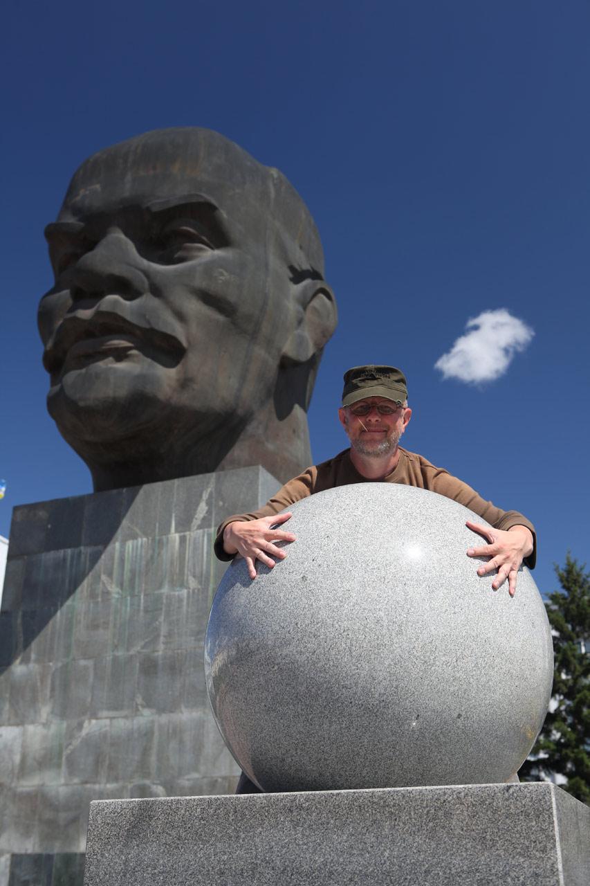 Ленин и сантехник (с) Олег Зотов
