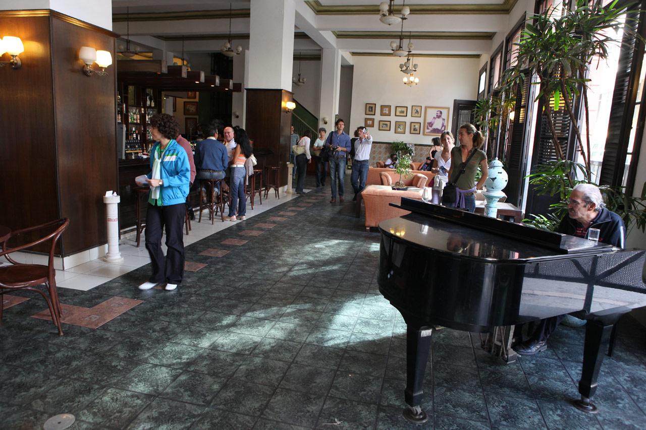 Пианист в отеле Ambos Mundos