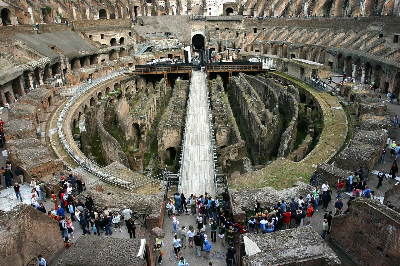 Внутренности Колизея