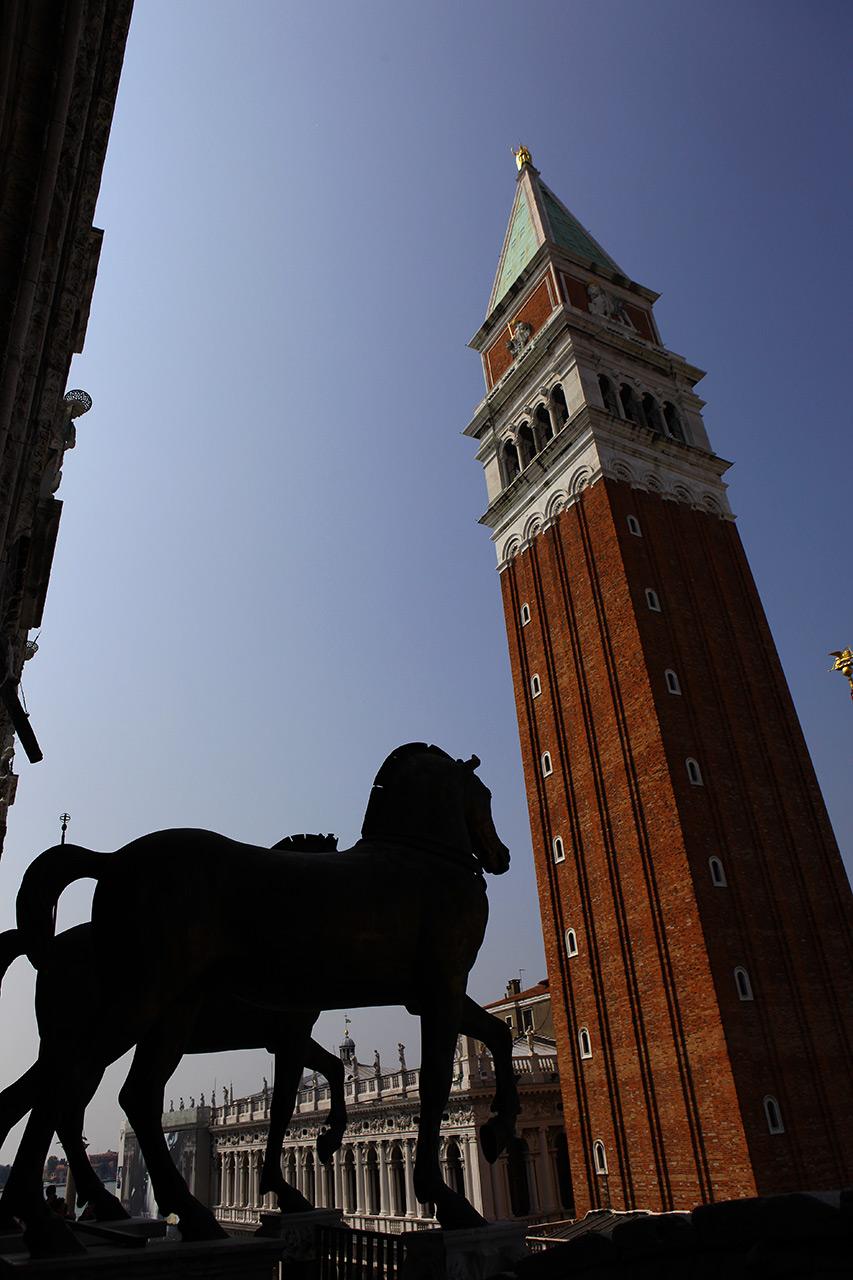 Ворованные кони и новая колокольня