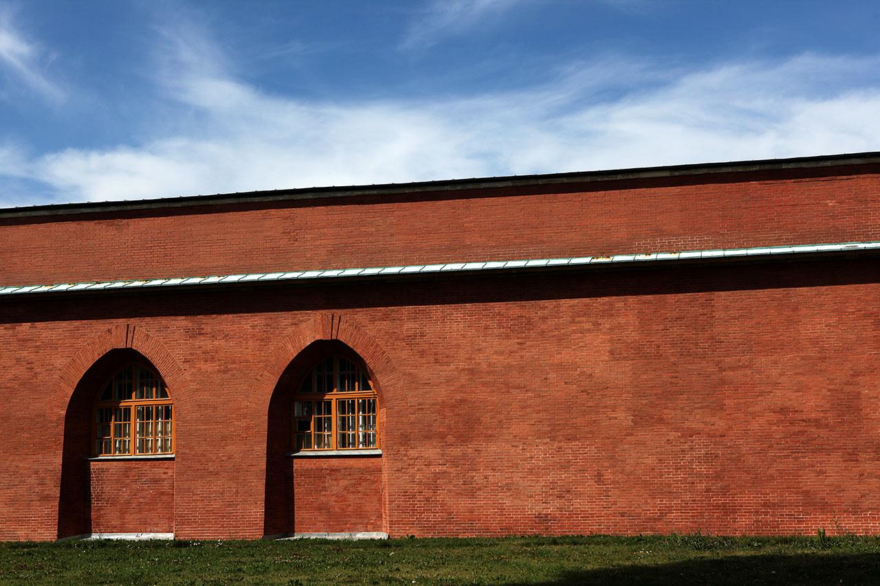Стена Петропавловской крепости
