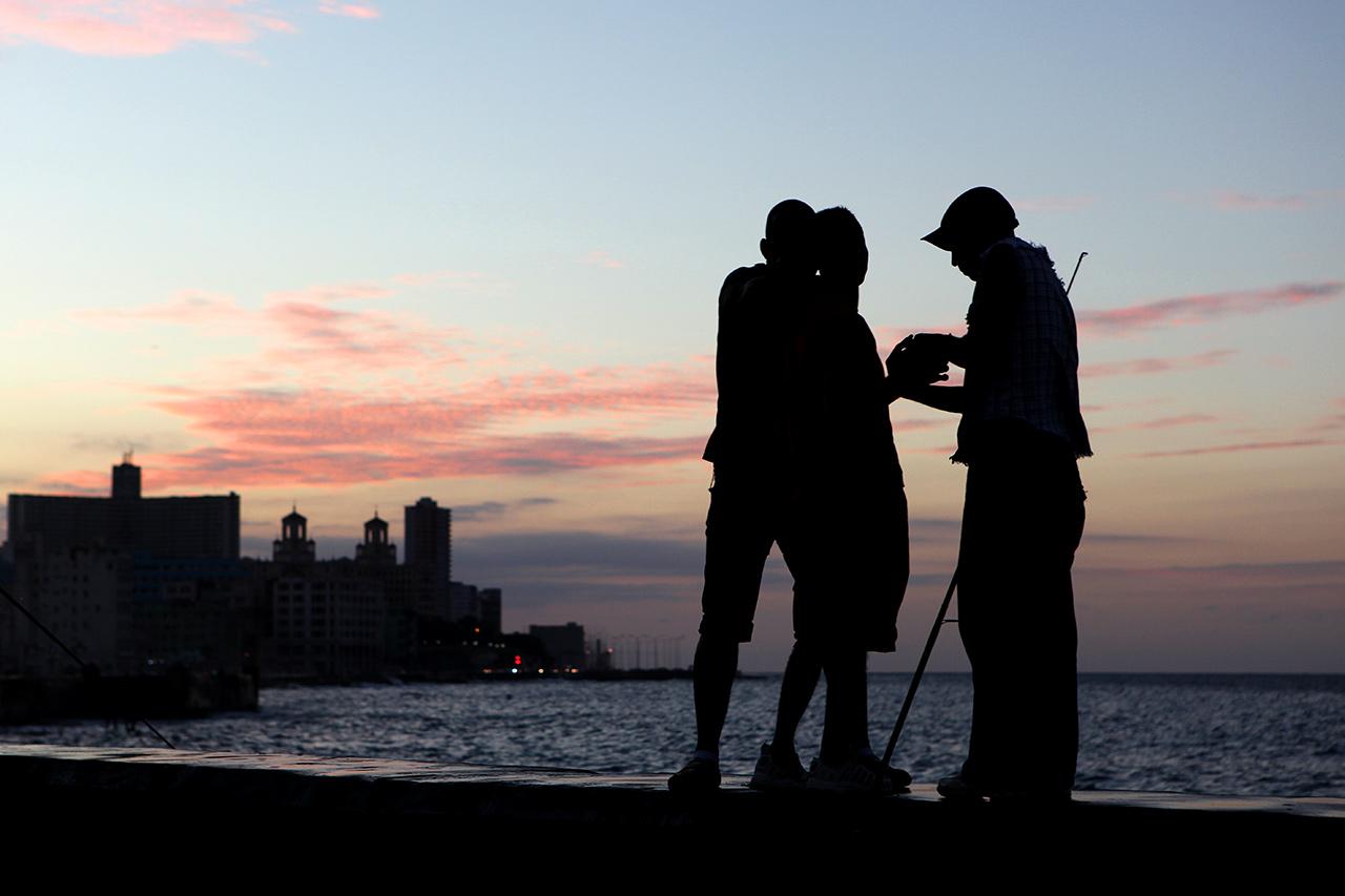 Вечерние рыбаки на Малеконе