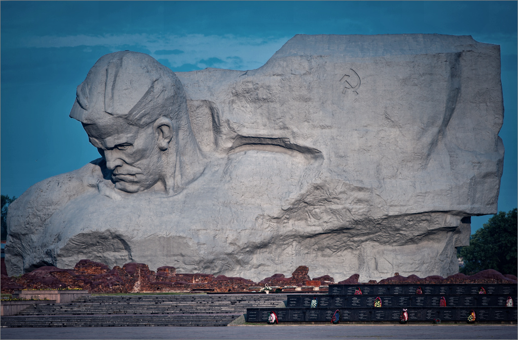 Про главный монумент крепости © onepamop