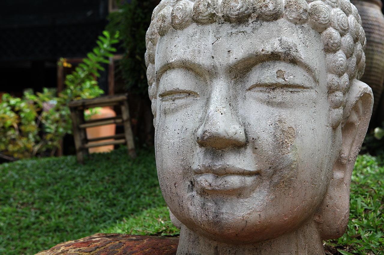 Бетонный Будда