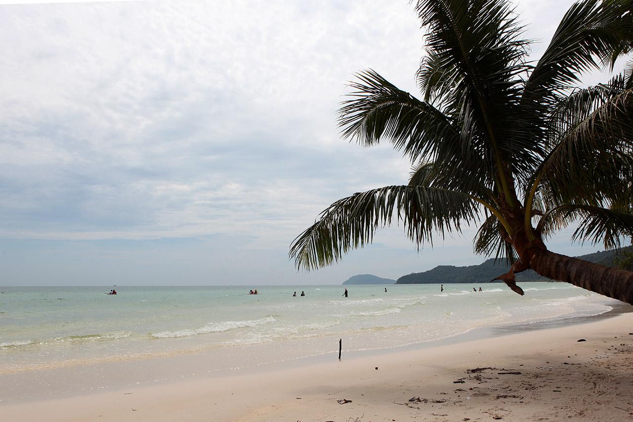 Пляж Sao Beach справа
