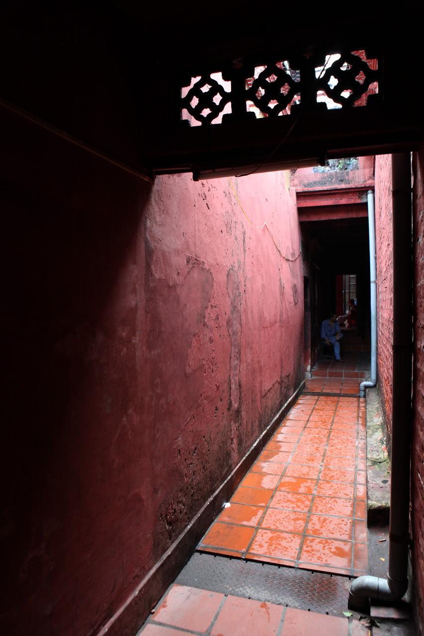 Закоулок храма
