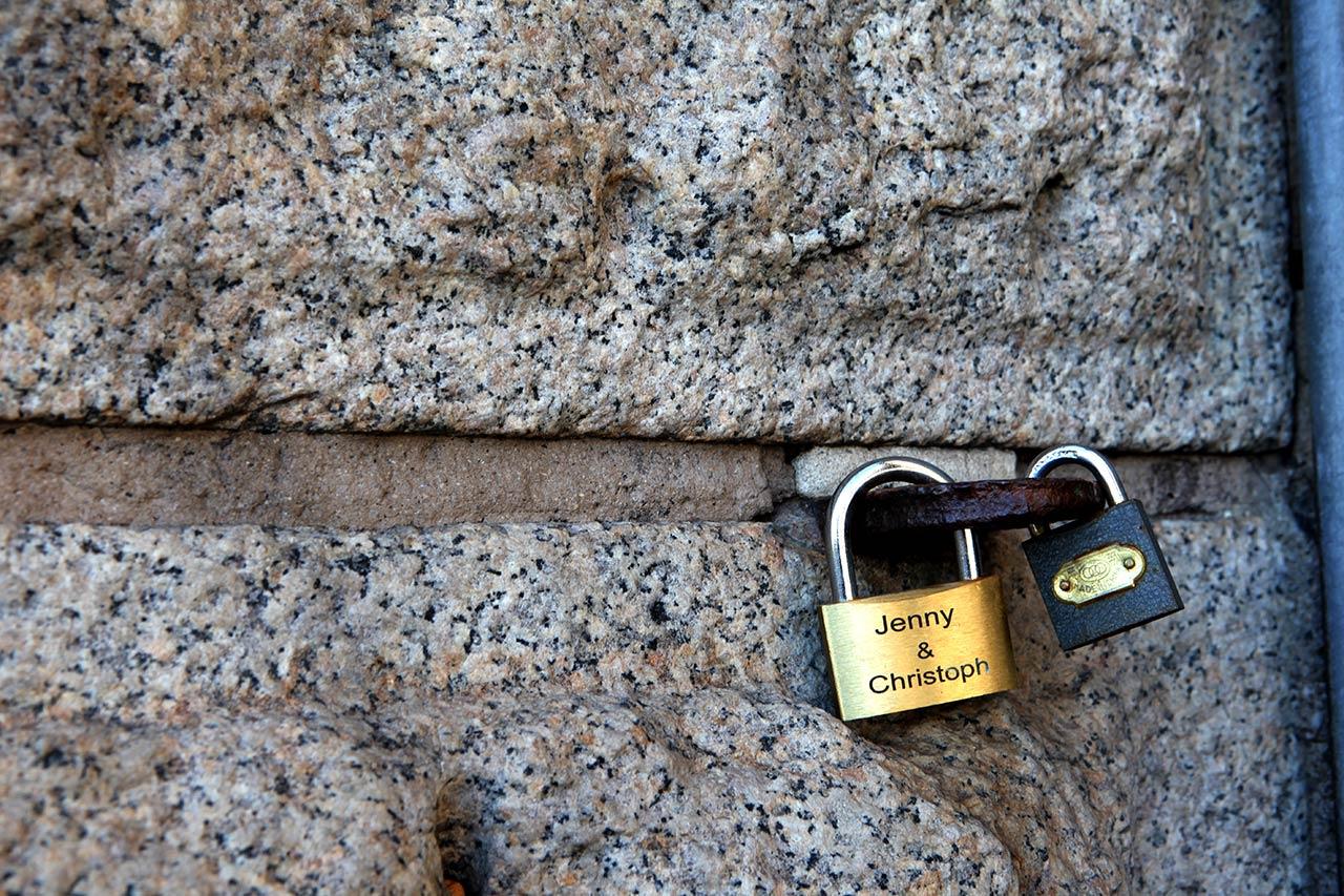 Замочки на Бруклинском мосту