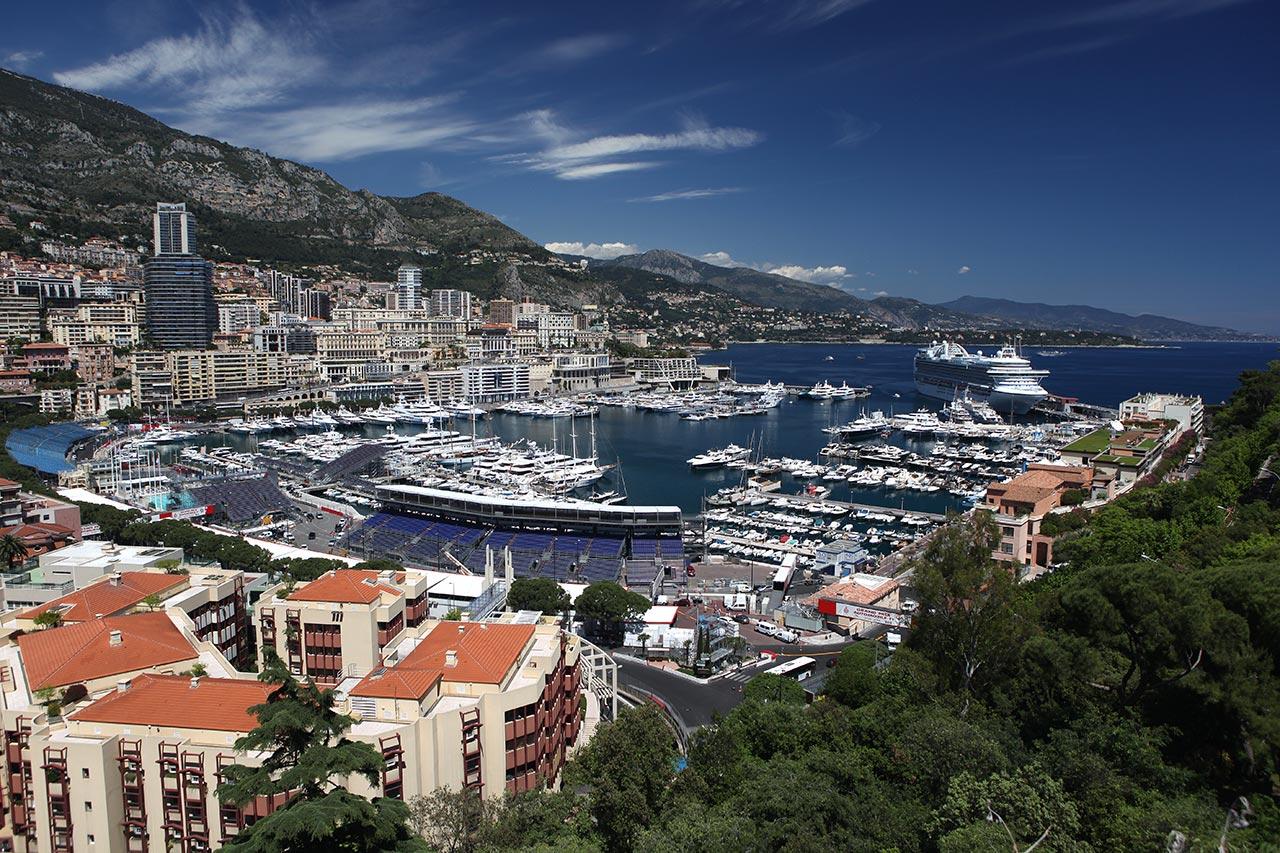 Бухта в Монако