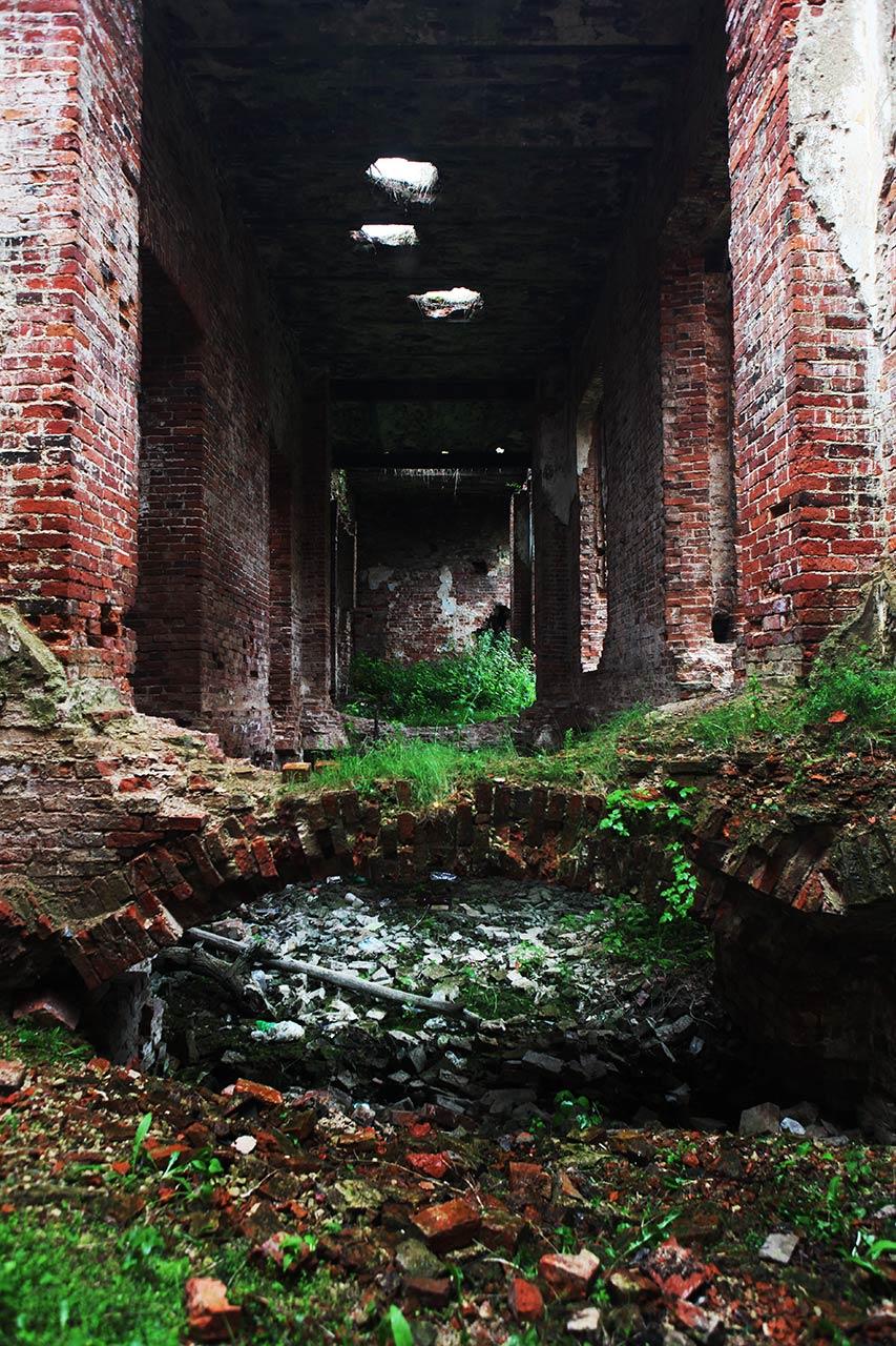 Развалины в Селищах