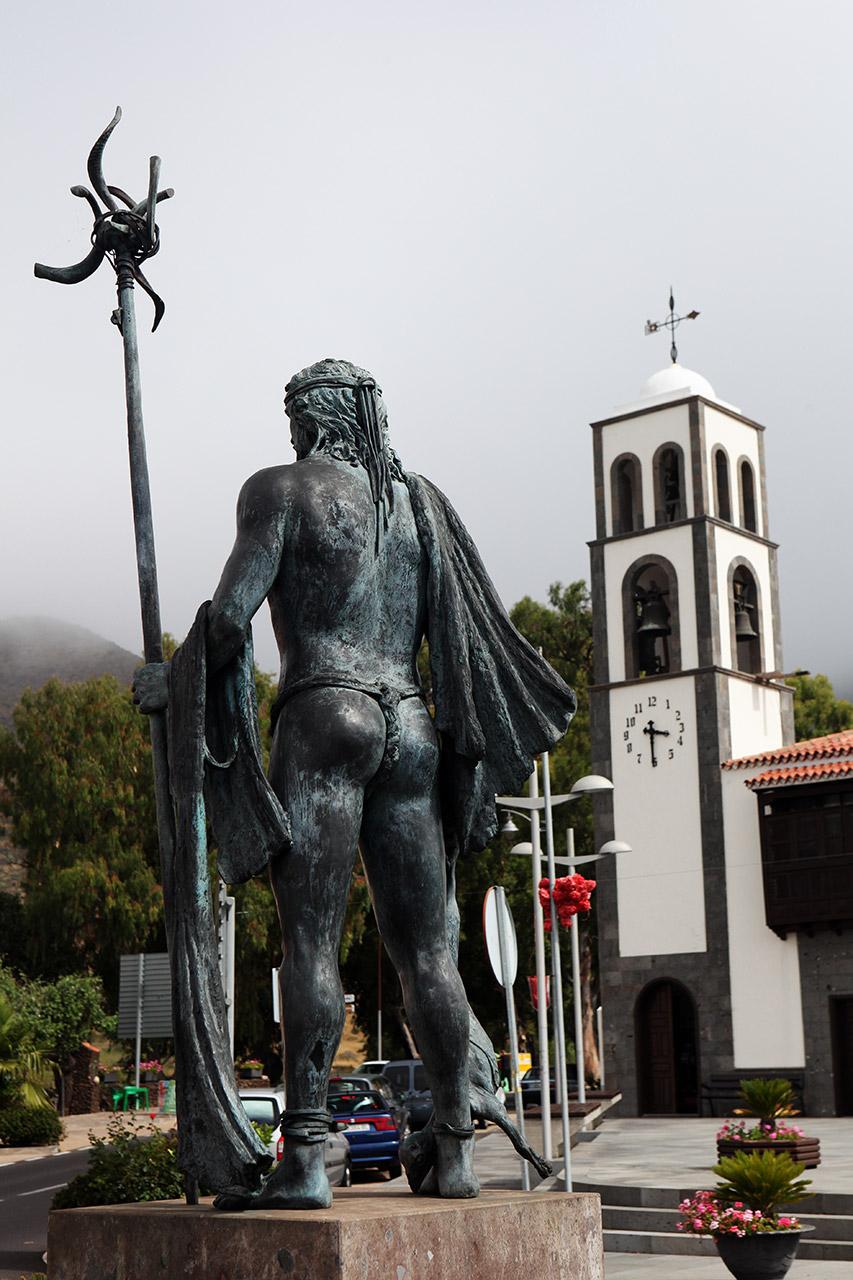 Гуанча у церкви Сан Фернандо