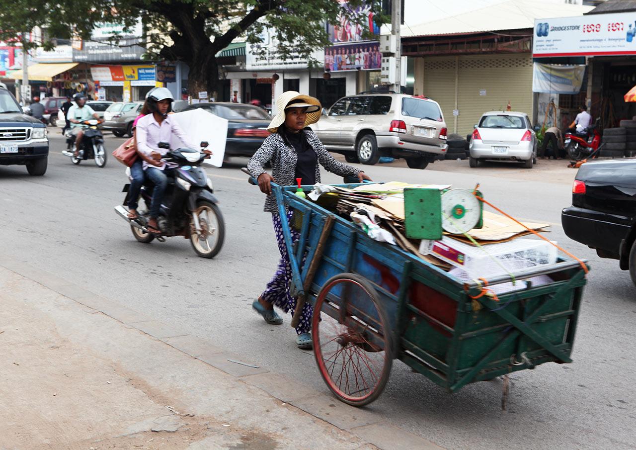 Кхмеры едут на работу