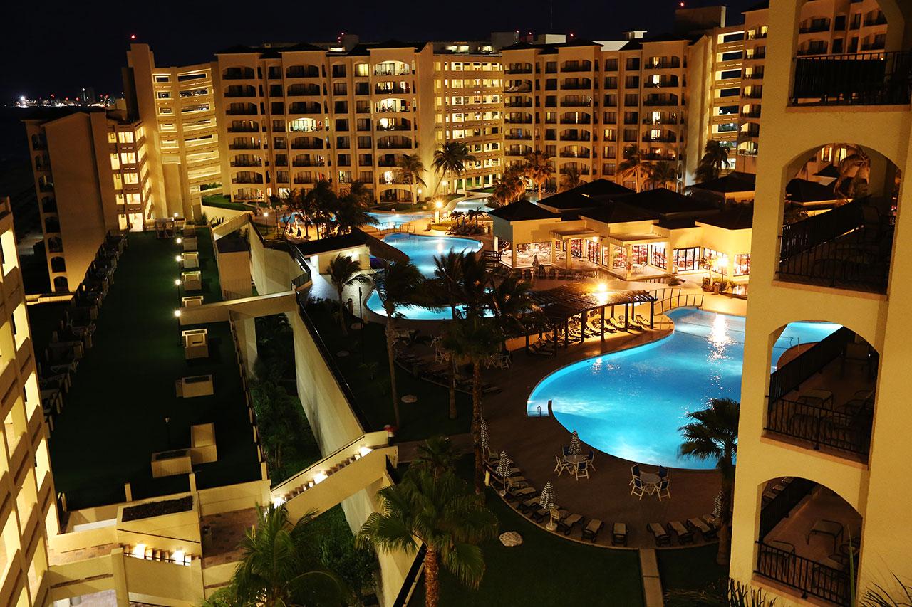 Ночной Канкун
