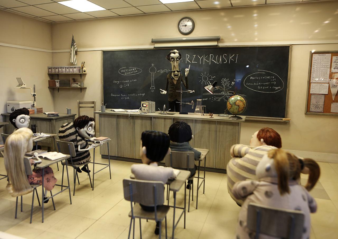 Франкенвини: учитель и детишки