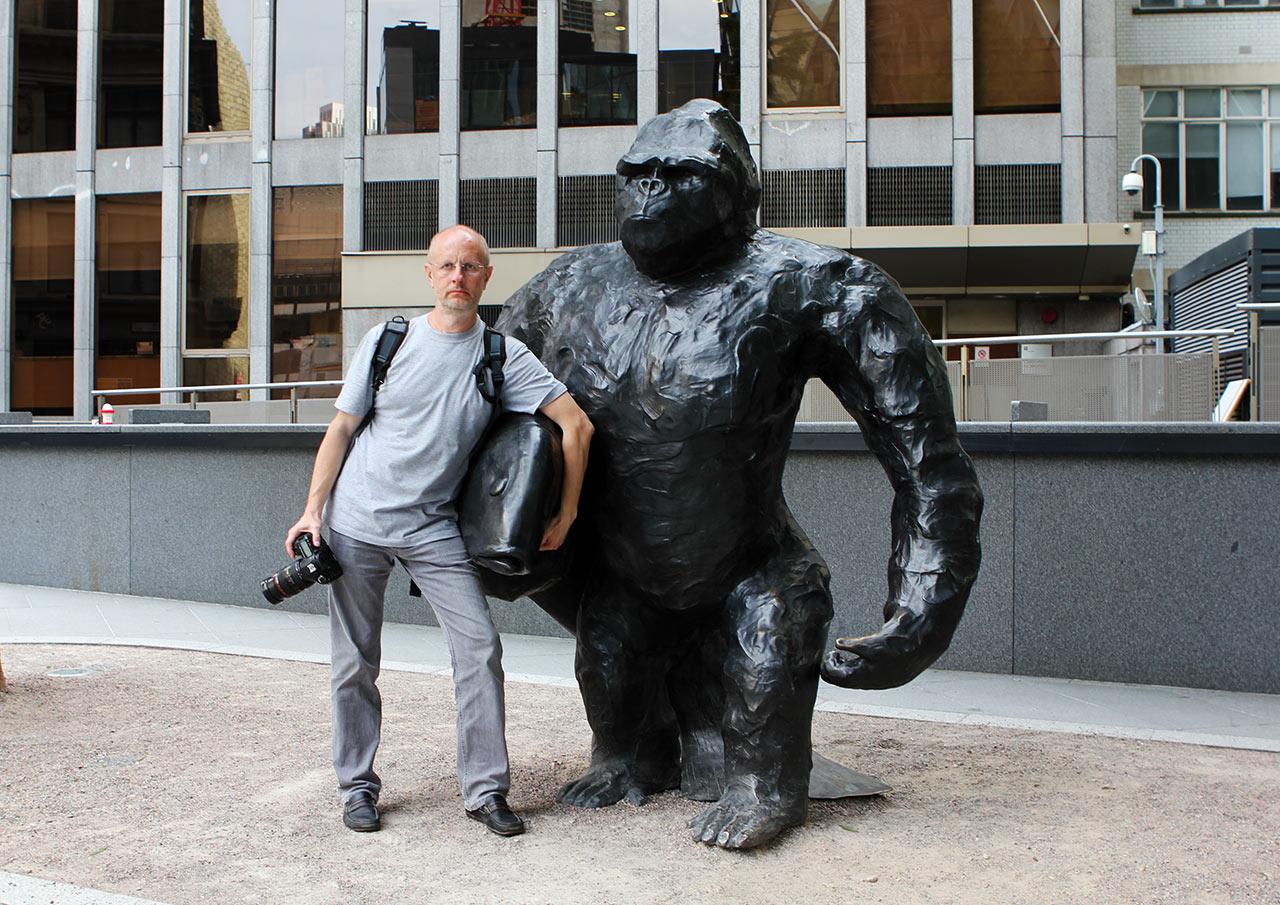 Мы с лондонским гориллом (с) Брутанец