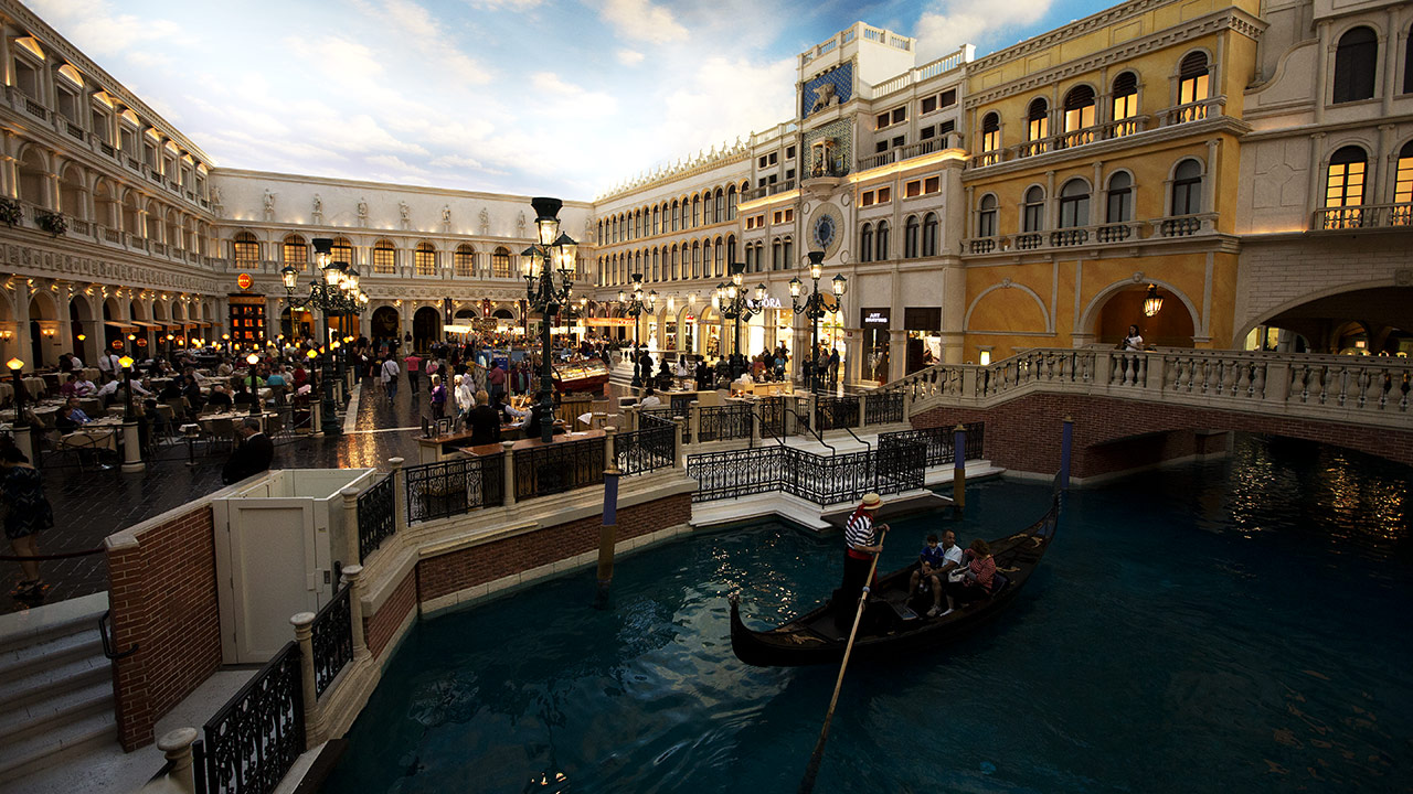 Внутри отеля Venetian