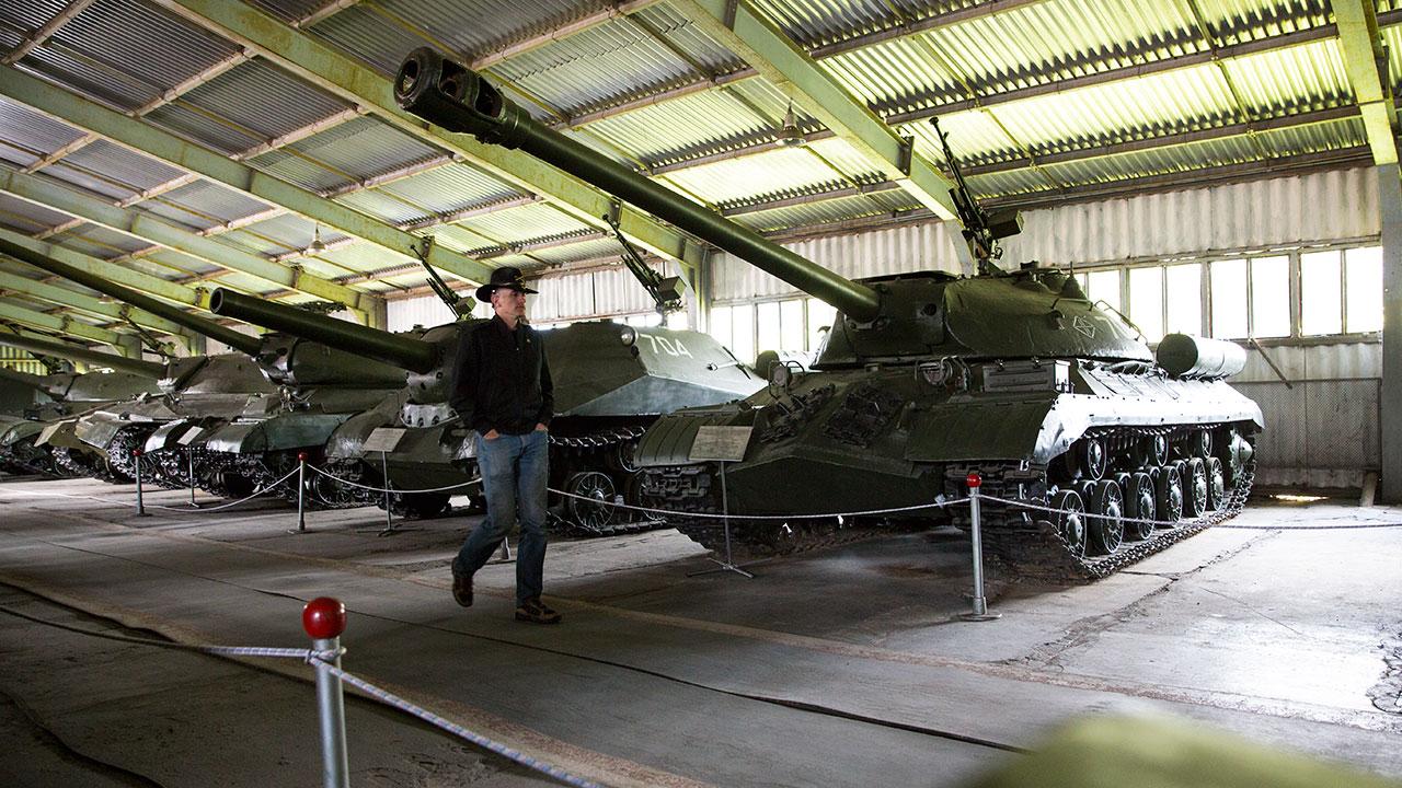 Американский майор и танк Иосиф Сталин