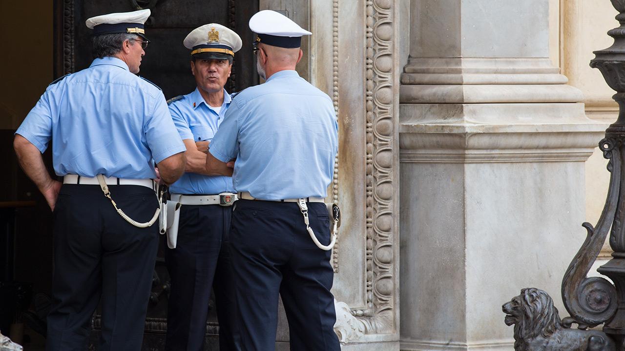 Сицилийская полиция готовится к делу