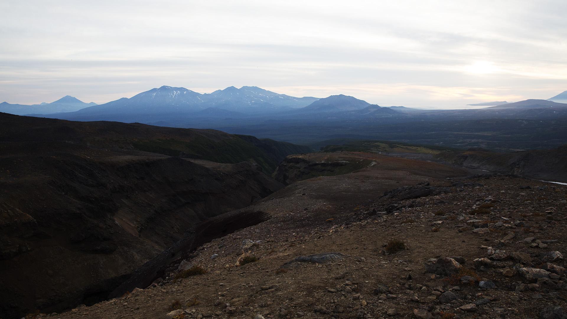 Овраг Опасный и горы