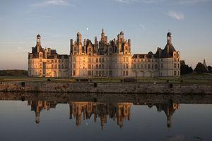 Замок Шамбор в лучах заката
