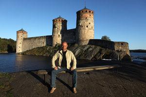 Крепость Олавинлинна в лучах заката
