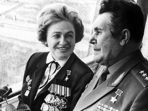 Умерла Надежда Попова. герои