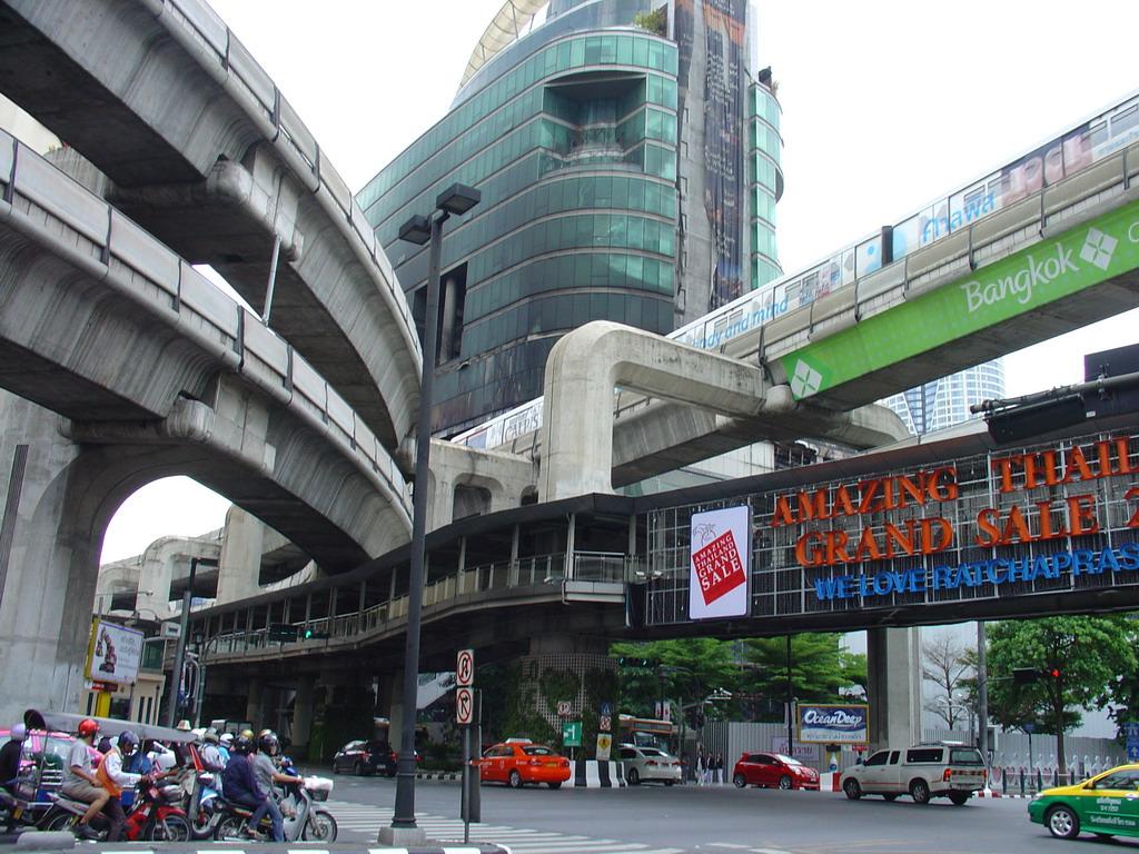 Смотреть приставание в японском метро 13 фотография